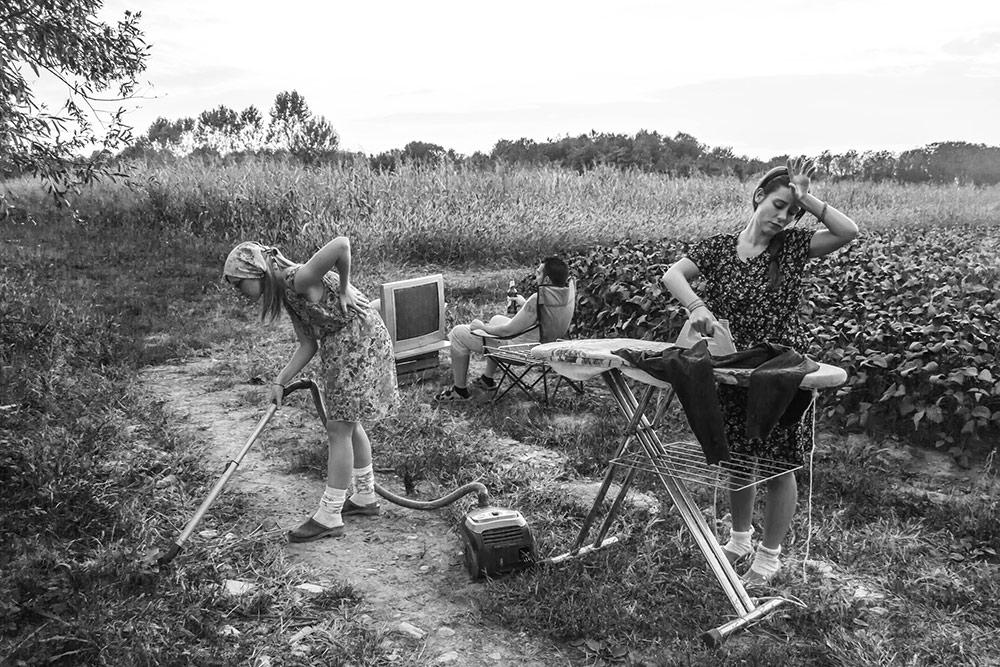 Lavoro-nei-campi-e-condizione-femminile